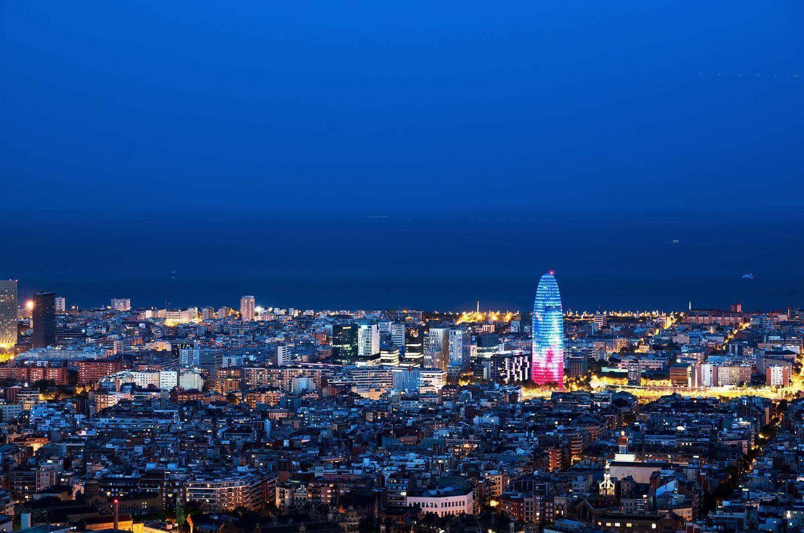 Things to do in Barcelona view of the city and tips and guide