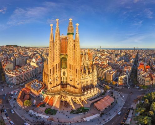 What to do in Barcelona view of Sagrada Familia what to see in Barcelona