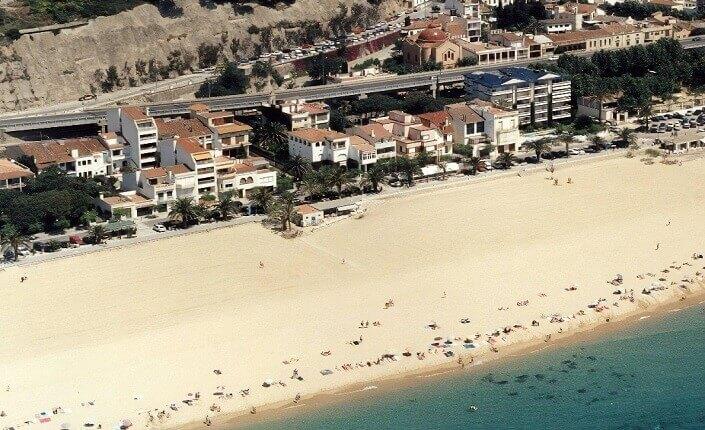 Caldes D'estrac Playa Barcelona