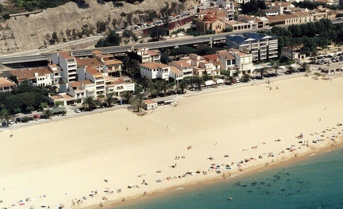 Caldes D'estrac Beach Barcelona